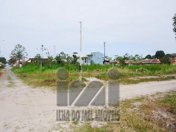 4138IP/ Terrenos, 04 quadras do mar em Monções.