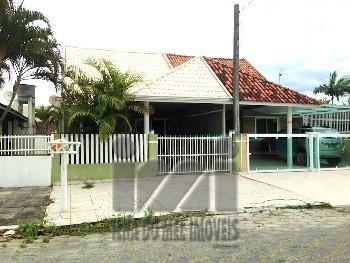2072PL/ Excelente oportunidade de casa no Itapuã!