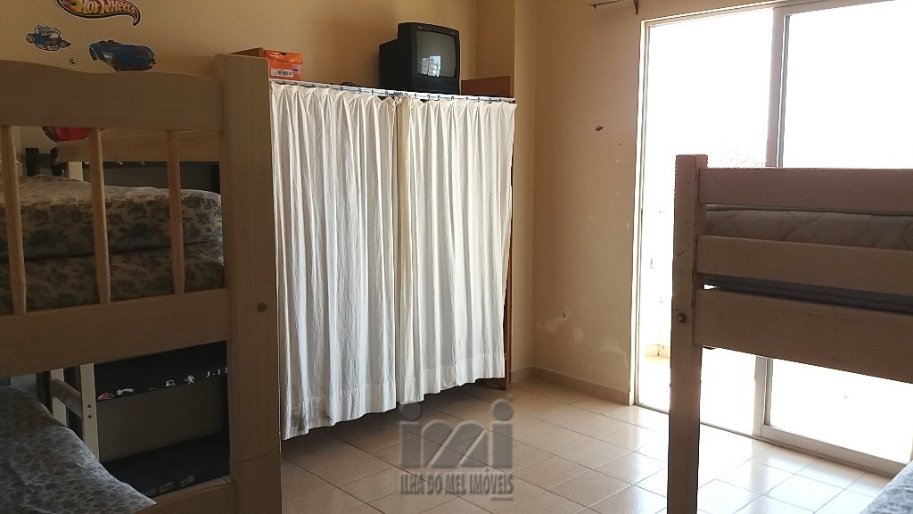 APARTAMENTO PERTO DO MAR