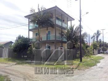 TRIPLEX DE ESQUINA NO BALNEÁRIO CARMERY!