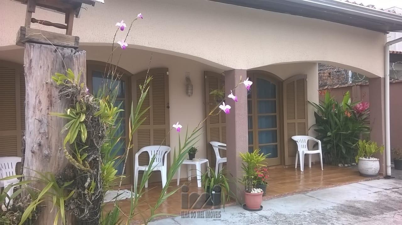 Frente da casa 1