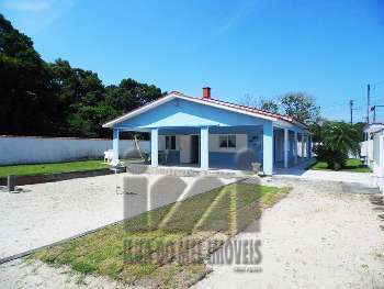 2373IP/ Residencia em Pontal do Sul. 130 M DO MAR