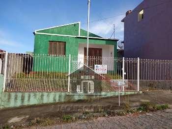 Casa de moradia no bairro Prado.