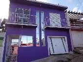Casa construção de dois pisos.