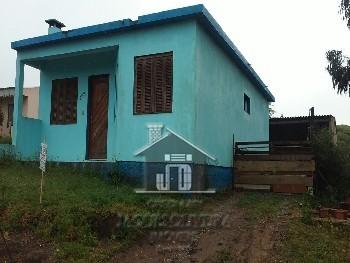 Casa de moradia em bairro calmo.