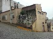 Casa no centro de esquina.