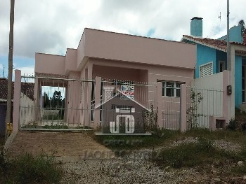 Casa de moradia construção recente.