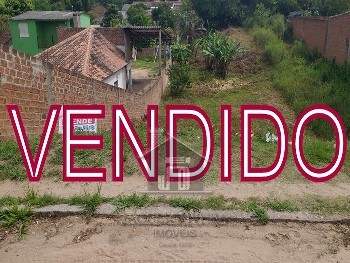 Terreno em local comercial/ residencial!