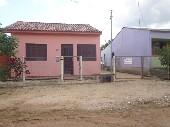 Ótima casa, próxima ao posto de saúde da Vila Nov