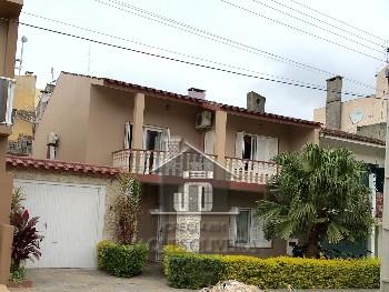 Casa de moradia mobiliada em área nobre.