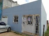 Casa residencial perto da escola.