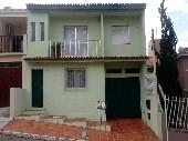 Casa residencial para duas famílias morar.