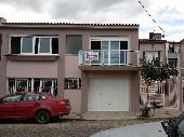 Casa de moradia e pode transformar em comercial.