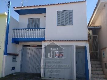 Casa 03 dormitórios bairro Uruguai.