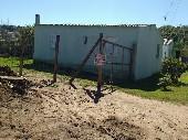 Casa 02 dormitórios, 02 banheiros bairro Uruguai