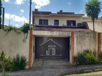 Casa bairro nobre com suíte 02 dormitórios.