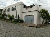 Casa localizada na área nobre.