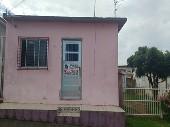 Duas casas para duas famílias morar.
