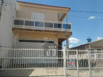 Casa bairro Uruguai com duas suítes.