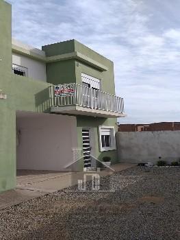 Casa bairro Uruguai 02 dormitórios, terraço