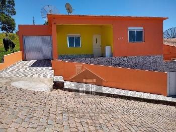 Casa 03 dormitórios Vila do Céu.