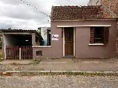 Casa de alvenaria na Rua Julio de Castilhos.