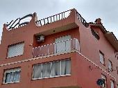 Casa 03 dormitórios no Centro.