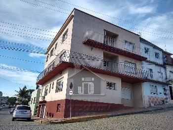 Apartamento 03 dormitórios, garagem no centro