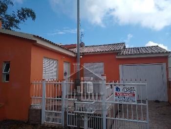 Casa 02 dormitórios, 02 garagens Lot Colina Verde