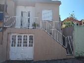 Casa c/ garagem, 02 dormitórios bairro Uruguai