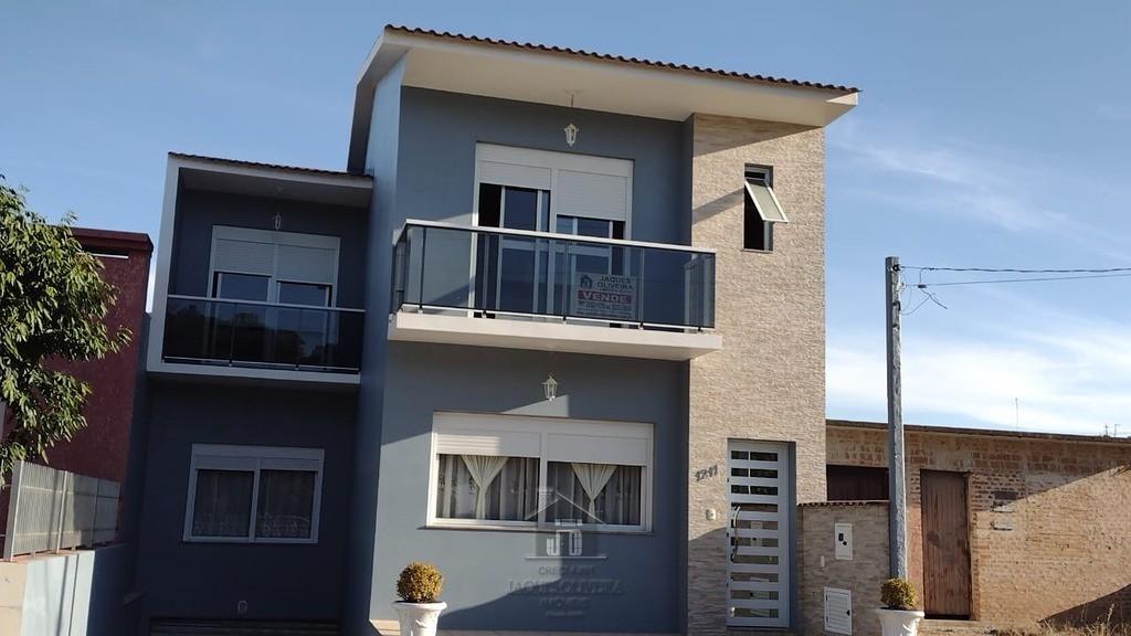 Casa Rua Fernando Ferrari com 02 Suites.