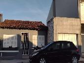 casa bairro Prado, c/ suíte, garagem, pátio.
