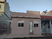 Casa bairro Uruguai, garagem e 02 dormitórios