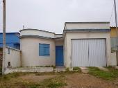 Casa  c/ garagem. No Bairro Triangulo.