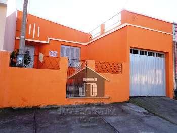 Casa 1 quadra da Duque de Caxias