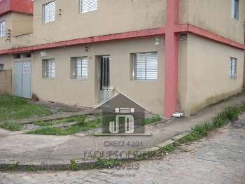 Apartamento t�rreo de esquina.
