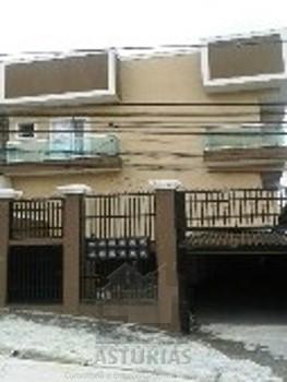 Sobrados em condomínio fechado Vila Ré