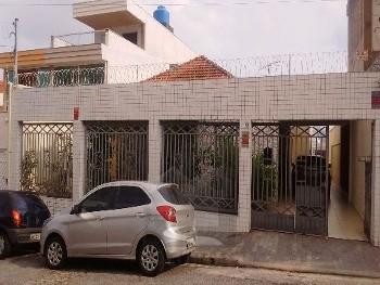 Casa térrea ampla para locação na Penha