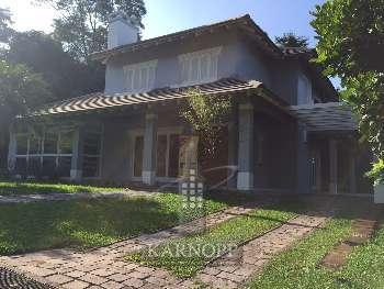 Casa de Alvenaria c/03 dormit�rios em Santa Cruz