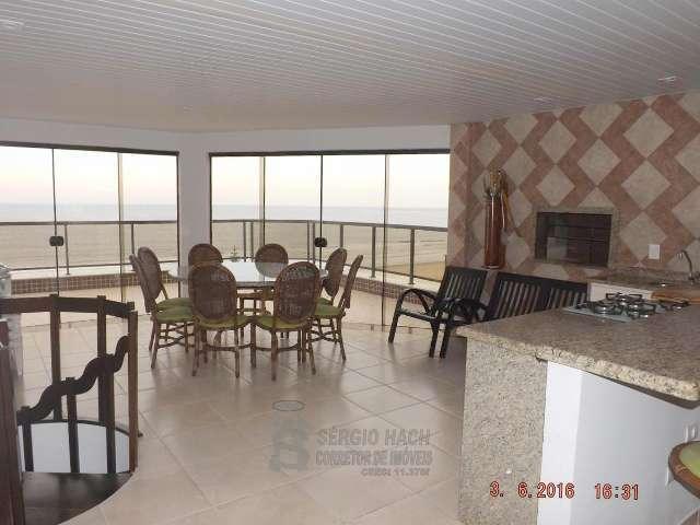 Cobertura de 5 dormitórios em Caiobá