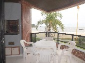Apartamento na Praia Mansa em Caiobá