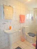 15 - Banheiro social foto