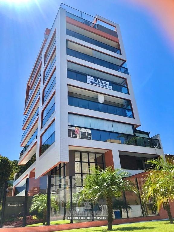 Apartamento com 3 suítes localizado na Praia Mansa