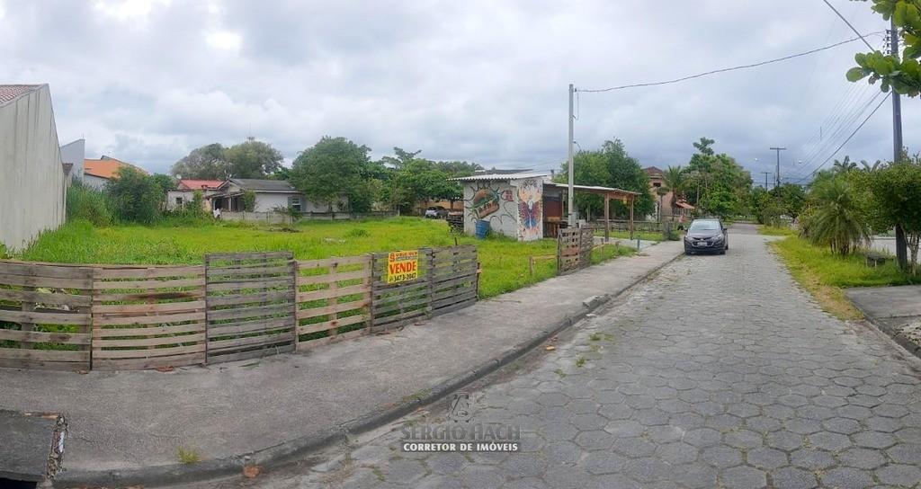 Dois terrenos à venda no Balneário Betaras