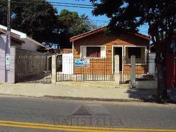 Casa 03 dormit�rios - Vila Labaki