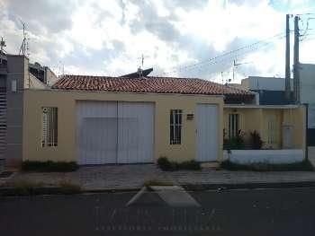 Casa 03 dormit�rios - Vila Claudia
