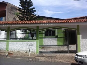 Casa 02 dormitórios - Parque Hipólito