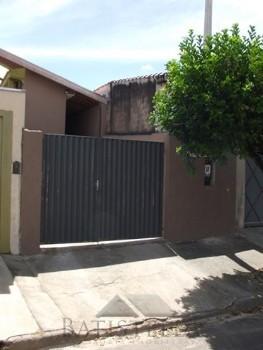 Casa 02 dormitórios - Jardim São João