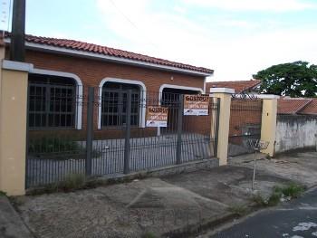 Casa 04 dormitórios - Jardim Montezuma
