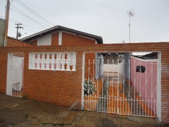 Casa 01 dormitório - Jardim Maria Busch Modenes